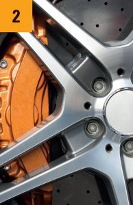 Aluminiumfelgen bearbeiten mit Industrie Rundbürsten und Tellerbürsten von Kullen-Koti