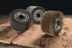 Holz buersten und strukturieren
